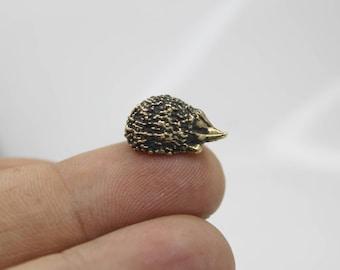 Hedgehog Figurine, Brass Small Animal Gift, Miniature Trinket, Handmade Collectible Tiny Figure 1pcs