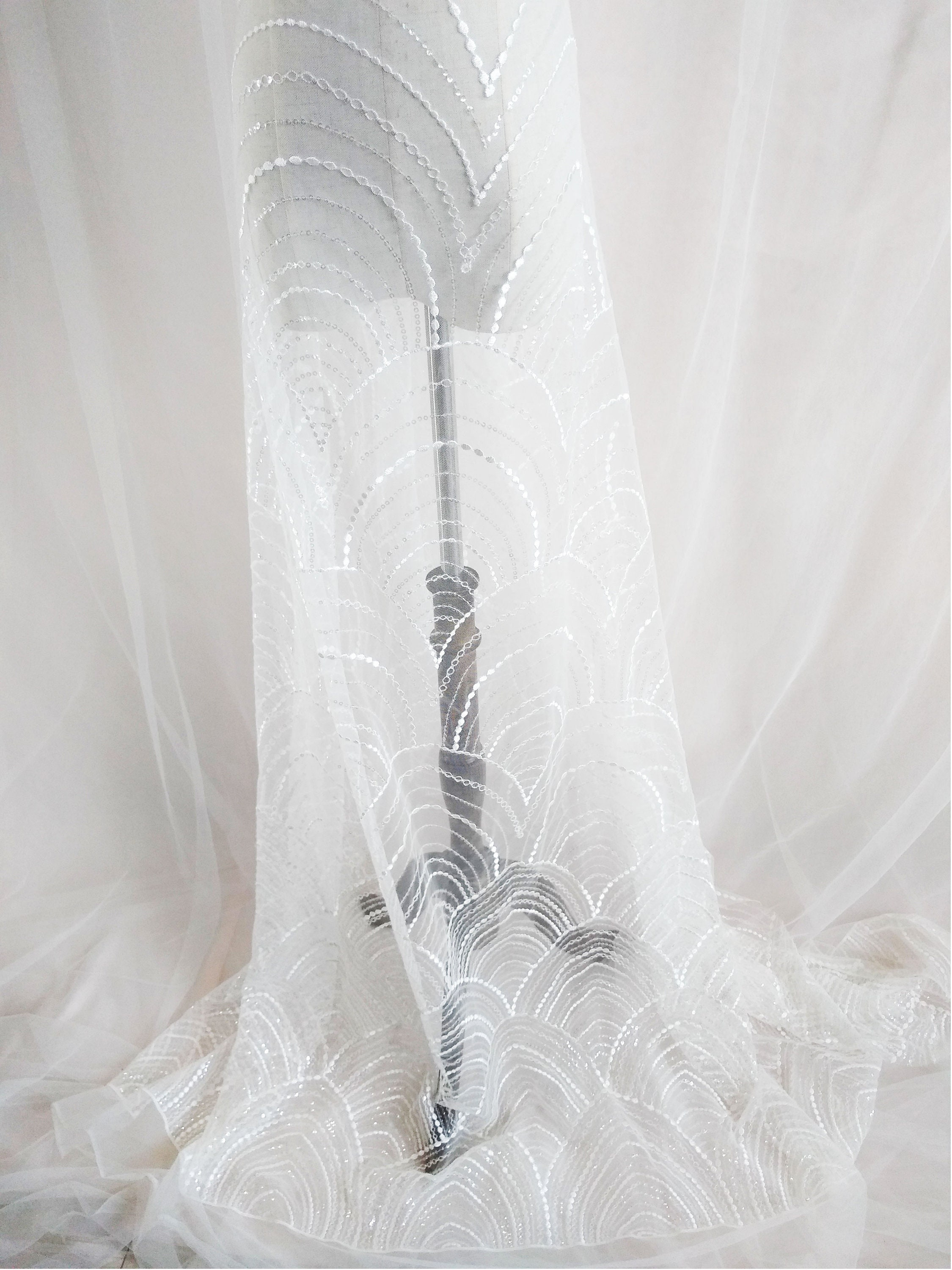 Floral Lace Fabric for Wedding Dress Sequin Lace Fabric Gorgeous Bridal Veil Lace Embroidery Tulle Lace Fabric By The Yard