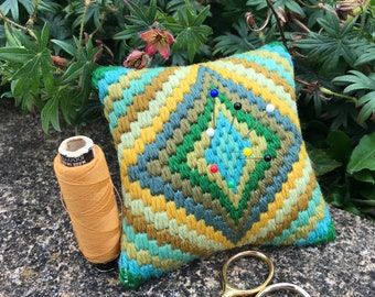 Bargello Kit Beginner, Bargello Needlepoint Kit, Bargello Tapestry Kit, Pincushion Kit, Tapestry Kit, Bargello Tapestry