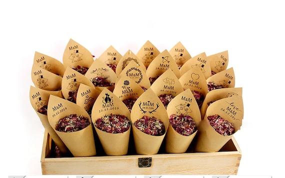 Hochzeitskonfetti naturell mit getrockneten Pflanzen auch personalisiert