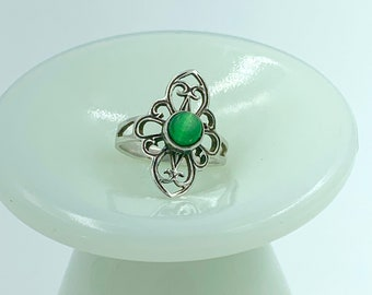 sweet filigree petite silver and green stone ring