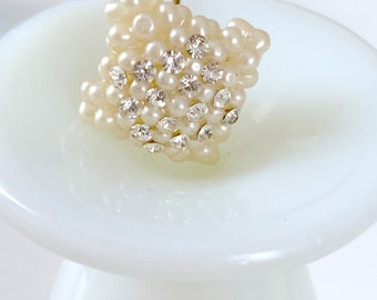 vintage pearl and crystal hat or scarf pin