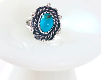 gorgeous detail turquoise ring