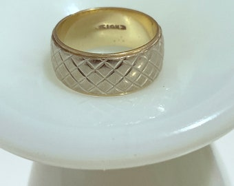 gorgeous basket weave, diamond pattern white and yellow 14k gold wedding band