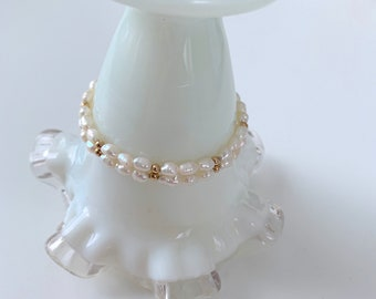 classic and sweet 14k gold and freshwater pearl bracelet