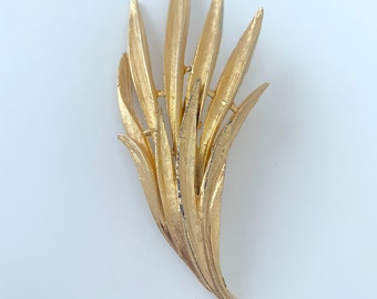 stunning statement big leaf brooch