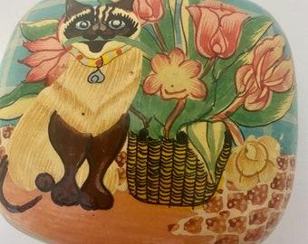 Siamese in garden jewelry box