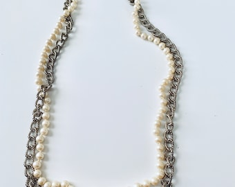Anne Klein signed pearl and chain vintage necklace