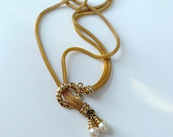 faux pearl and golden rope lariat necklace