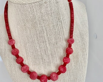 vintage hot pink coral beaded necklace