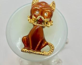 Enamel cat brooch