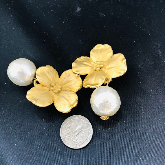 Huge 1980's Flower and Faux Pearl Clip On Dangle E