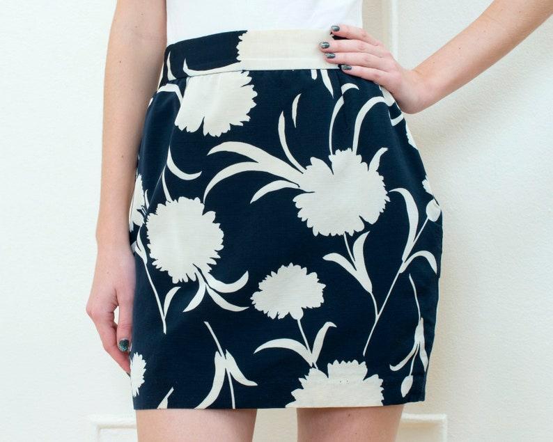 90s small 25 waist navy blue flower print mini pencil skirt vintage moschino blue floral mini skirt high waist peony print skirt
