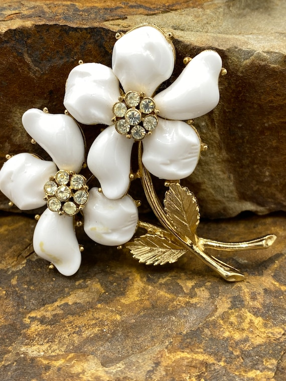 Vintage 1940\u2019s gold snail brooch with white and green beads