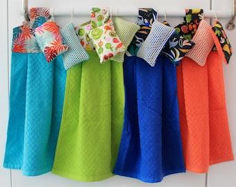 lot Hand towel + 2 washable sponges - kitchen or bathroom towel, guest towel - Christmas gift