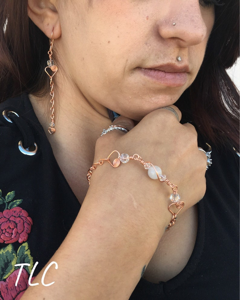 Copper wire bracelet and earrings setTarnish resistantWhite Jade stoneClear Czech glass crystalsBoth can be adjusted by request