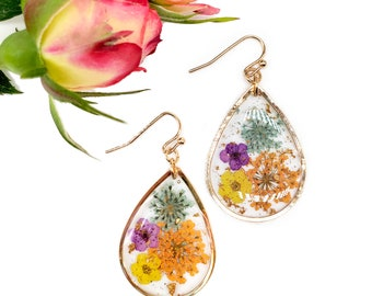Dried flower handmade resin earrings , real flower jewelry, gifts for her
