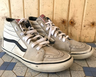 91408eedf99b87 Vintage Vans Off The Wall 90 s Fashion Hi-cut Rare The Search For Animal  Chin Size  US 7.5   EU 40-41