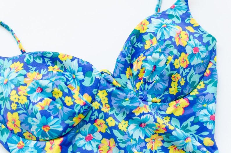 Vintage 1980/'s One Piece Floral Hi Cut Swimsuit Retro Totally 80s Beach Native Jrs Swimwear