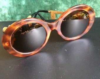 59fcdc53e61 Vintage Moschino M254 sunglasses produced by Persol