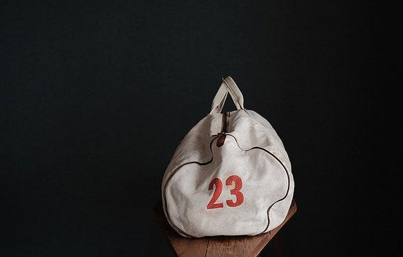 Vintage american MT HOOD COLLEGE white canvas bag - image 6
