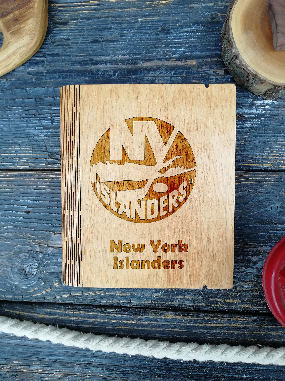 NHL New York Islanders Logo Post Earrings