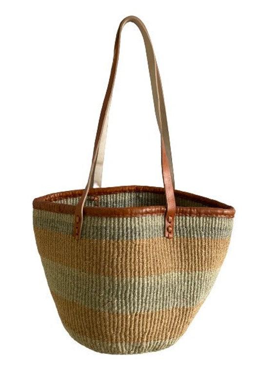 "11.5"" Kenyan Kiondo Handbag Basket, Project basket, Sisal bag, Bucket bag, Beach Bag, Market Basket, Storage basket, laundry basket"