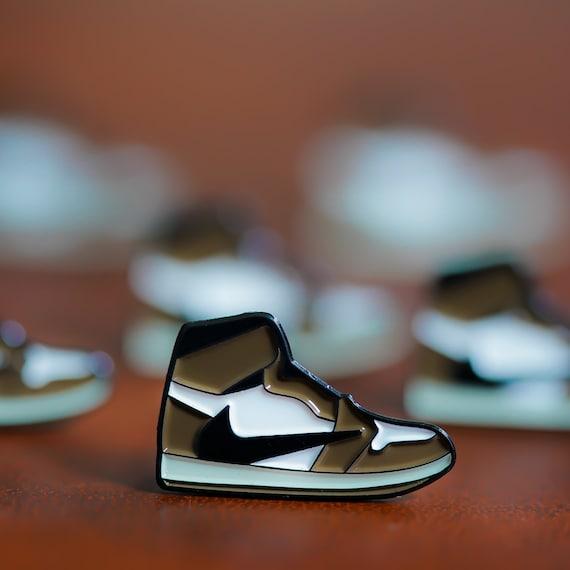 Nike Air Jordan 1 Travis Scott Kaktus Jack Emaille Pin