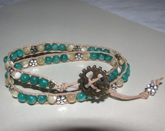 Green tree agate and shell wrap beaded bracelet