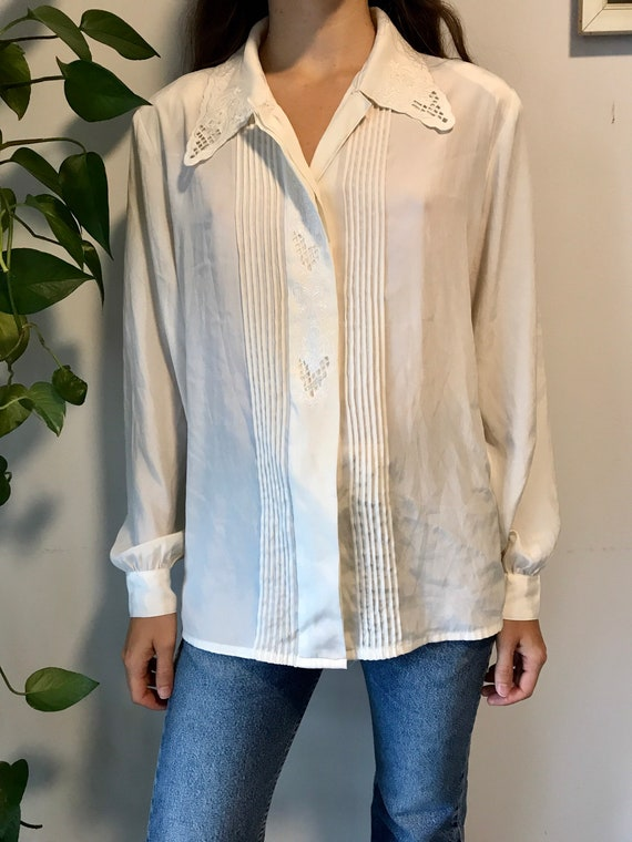 Vintage embroidered blouse / off white romantic m… - image 4