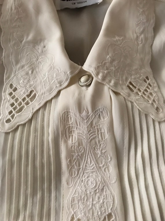 Vintage embroidered blouse / off white romantic m… - image 7