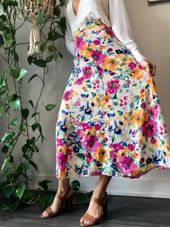 Vintage long floral skirt / midi floral 100% silk