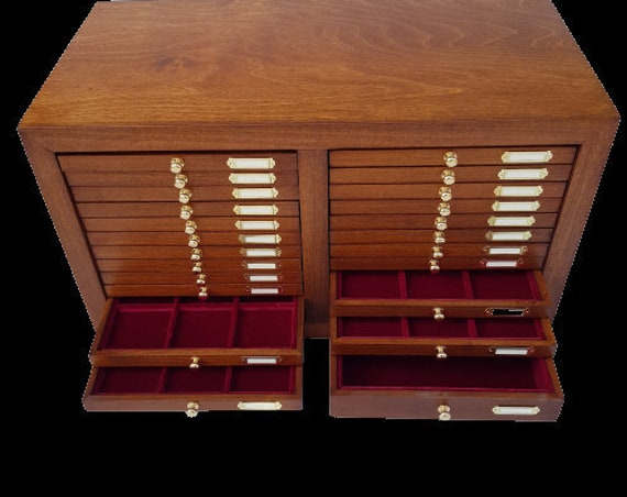 CAM22. MR ZECCHI. Wooden monetiere with 22 Drawers for Ancient Coins, internal velvet lining. Wooden Coin Cabinet