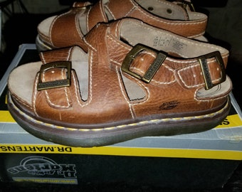 7de6f627f16476 Vintage doc marten adjustable brown fisherman sandals perfect condition  size 7 US