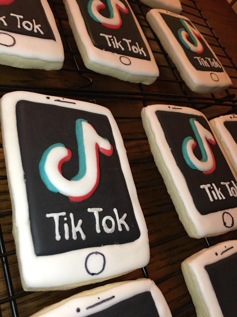 iPhone Tik Tok Logo Cookies image 1