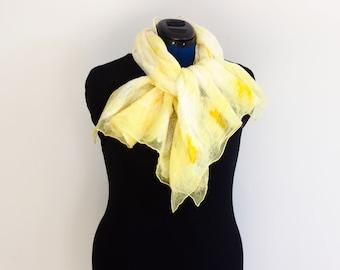 Season 2 - pale yellow scarf