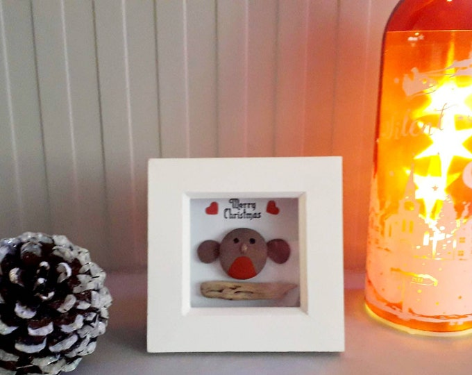 Cute Christmas Robin.... pebble art picture. A perfect gift for either a loved one, Friend or Teacher at Christmas.