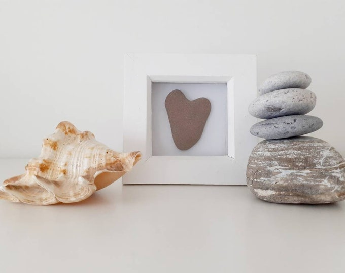 Heart pebble picture, pebble art, birthday gift, friendship gift, anniversary gift, mothers day gift, wedding present