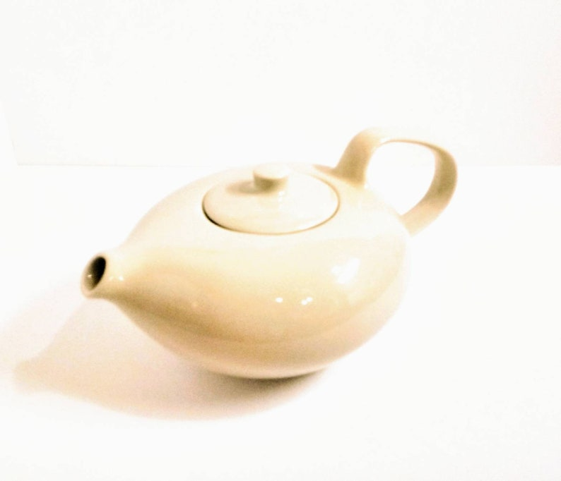 Russell Wright Oneida Teapot Creme Mid Century Modern 6cup
