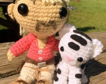 TOFT White Tiger Crochet Kit (400702) | Create and Craft | 270x340