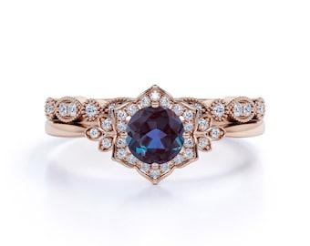 Vintage Alexandrite Bridal Set in 14K Rose Gold, Flower Halo, Floral Alexandrite Engagement Ring, Vintage Promise Ring Her, Silver Ring Set