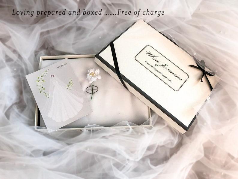 shoulder length veil veil with pearls Short wedding veil modern wedding veil