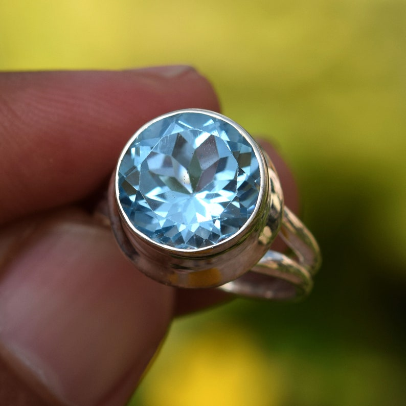 Details about  /Natural Blue Topaz Faceted Oval Cut Gemstone 925 Sterling Silver Women Ring