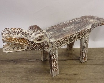 Collectable storage Vintage wooden carved crocodile shaped trinket storage ring holding dish tray with bone cut eyes 86