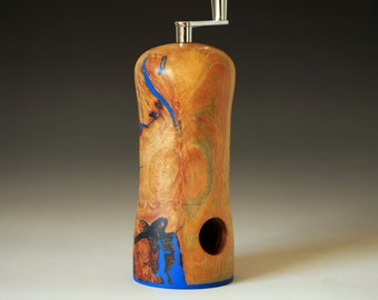 Nutmeg mill made of beech burl and epoxy resin, with Swiss grinder