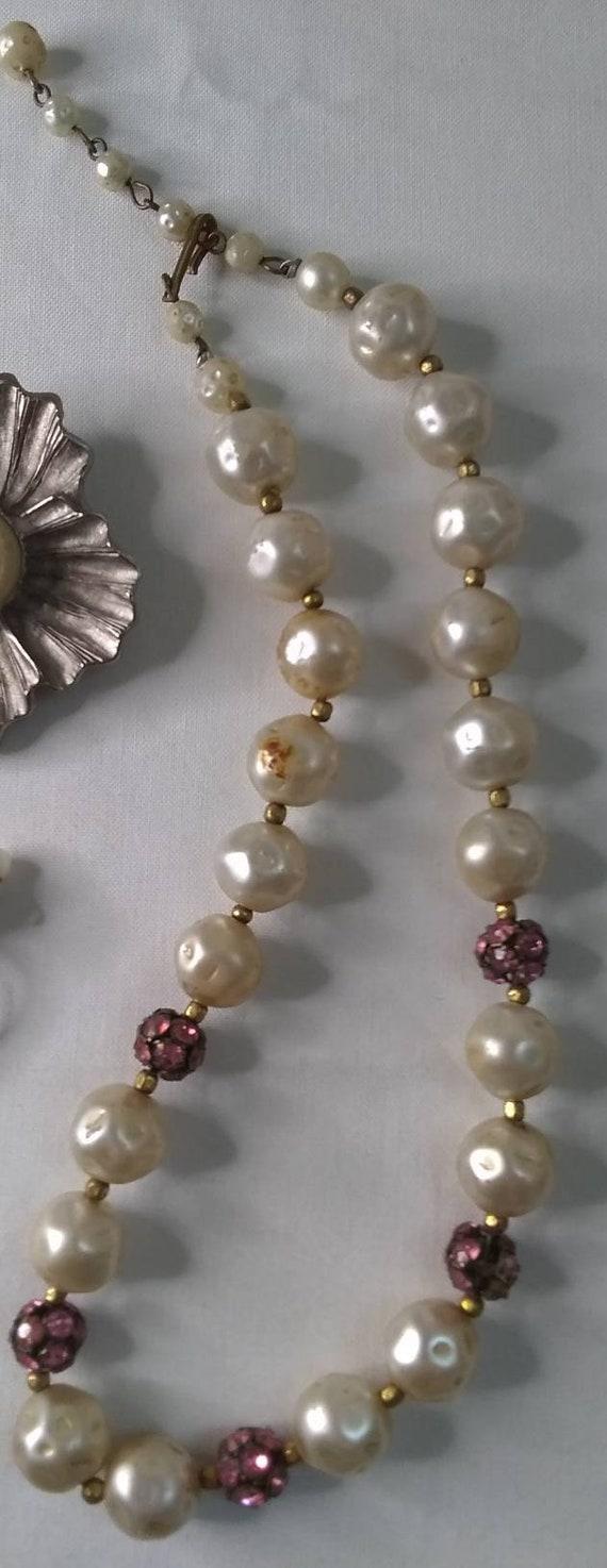 Vintage Mid-century Faux Pearl Jewelry Bundle - 2… - image 8