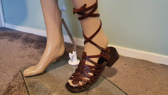 Vintage 70s brown leather sandals slippers