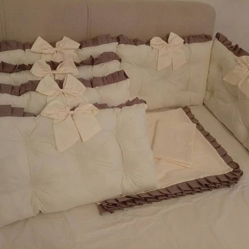 Ivory Brown Luxury Nursery bedding set Bumper Pads Baby Toddler Unisex isex Crib Bedding set Cot set with Blanket Cover Sheet