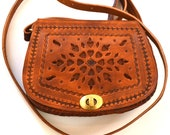 Small purse for ladies, tooled leather purse Boho crossbody bag, Minimalist tooled leather bag, Hand engraved bag.