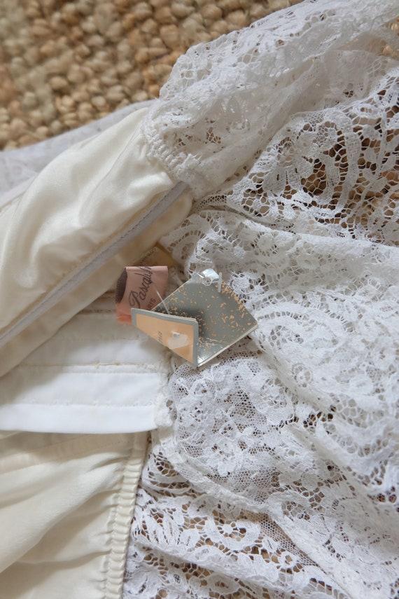 Vintage 00s White Lace Corset Top - image 5